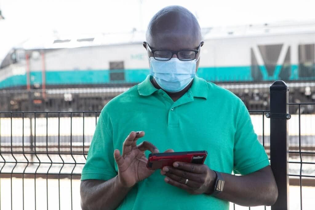 Metrolink customer